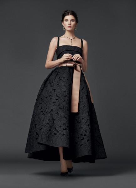 Подборка вечерних платьев от Dolce Gabbana