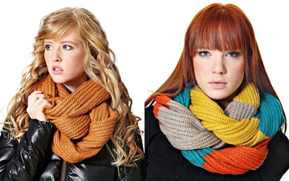 Модная деталь этой осени: вязаный шарф