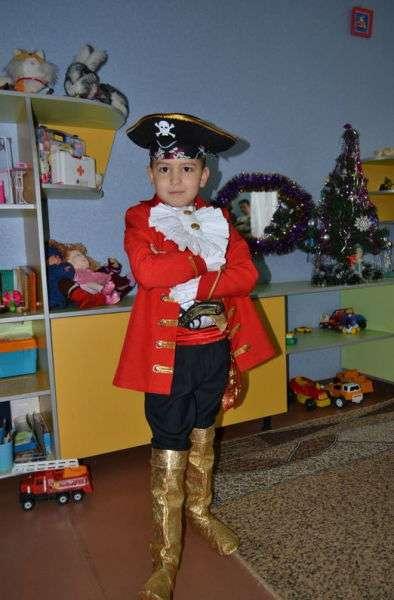 Как сшить костюм пирата - Капитана Крюка