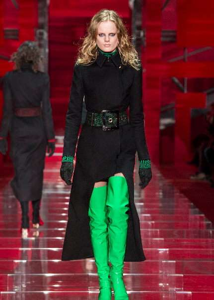 womens_fashion_versace_1