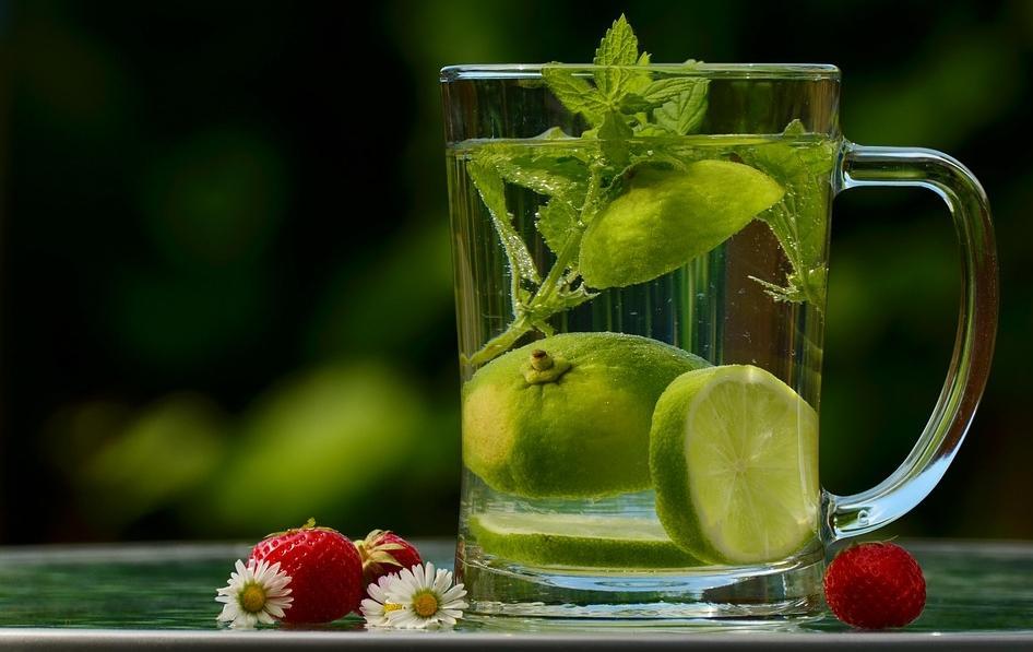 Лимон: полезные свойства. Чем полезна вода с лимоном