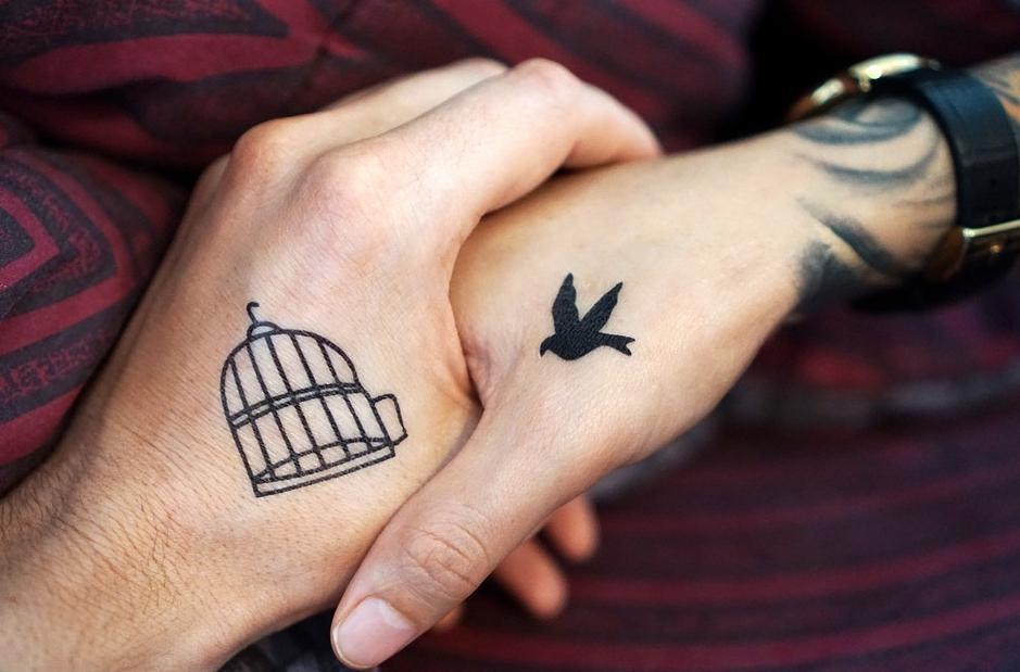 Как заботится о новой татуировке