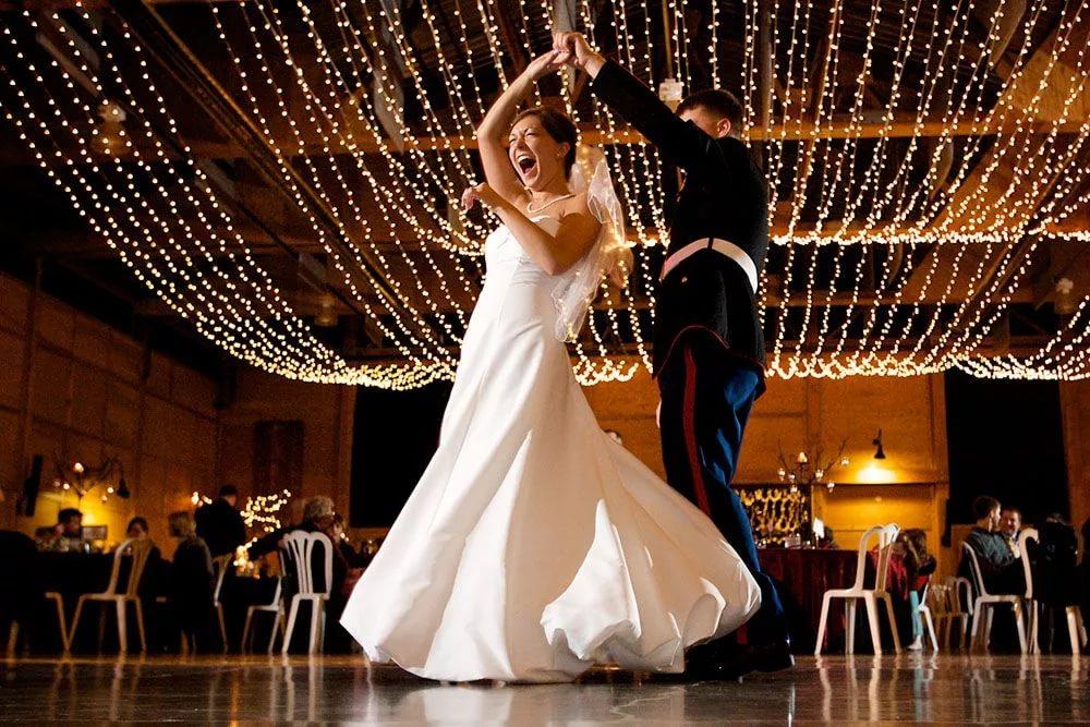 Как победить панику перед первым свадебным танцем. Танцы для взрослых в Москве